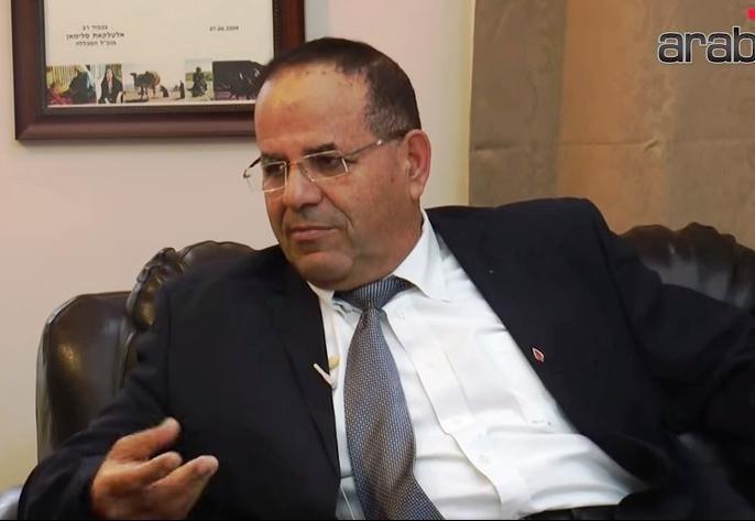 أيوب القرا يستقيل من منصب وزير الاتصالات