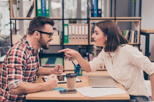 5 نصائح تحميكِ من التورّط في علاقة مؤذية