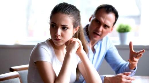 تعرفي على مواصفات الزوج النكدي وطرق التعامل معه