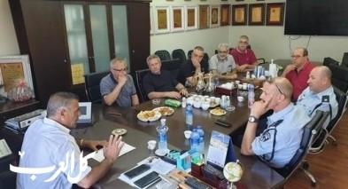 رئيس مجلس البعنة يستدعي قائد شرطة مجد الكروم