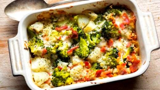 بطاطس بالبشاميل الأبيض: وصفة شهية