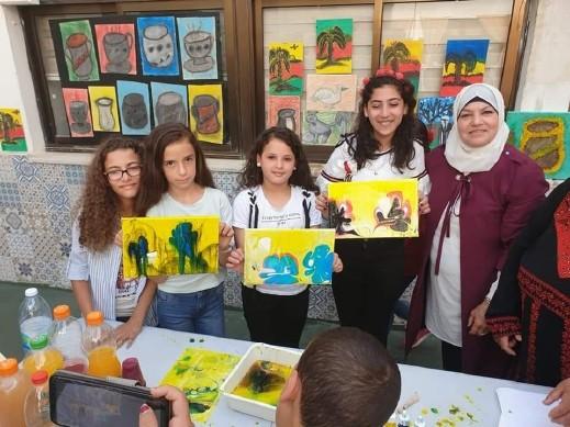 اقامة معرض الفنون لطلاب كفركنا