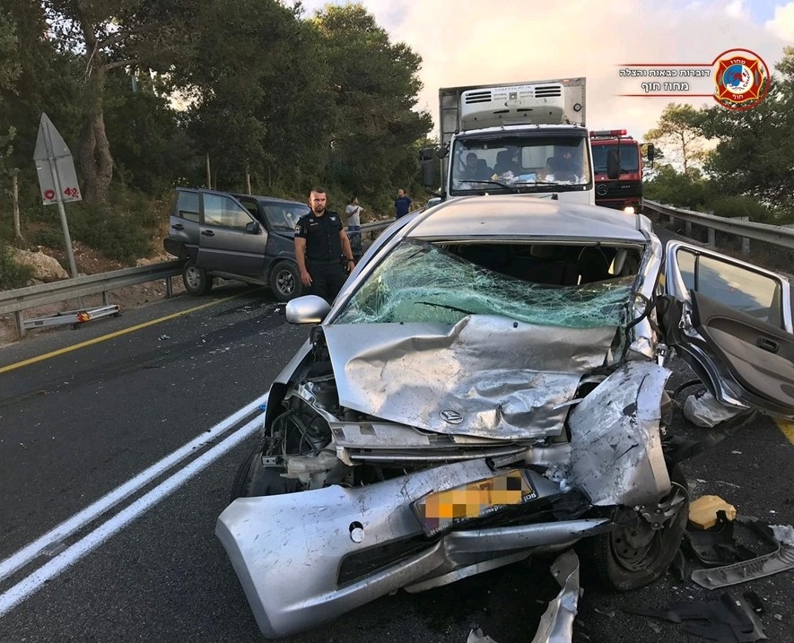 حادث طرق بالقرب من جامعة حيفا يُسفر عن إصابتين