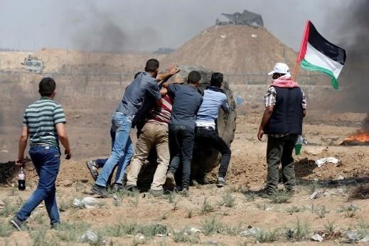 غزة: 40 إصابة بالجمعة الـ 65 من مسيرات العودة