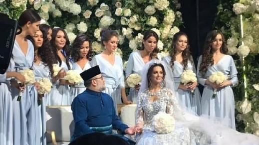 ملك ماليزيا السابق يطلّق ملكة الجمال الروسية
