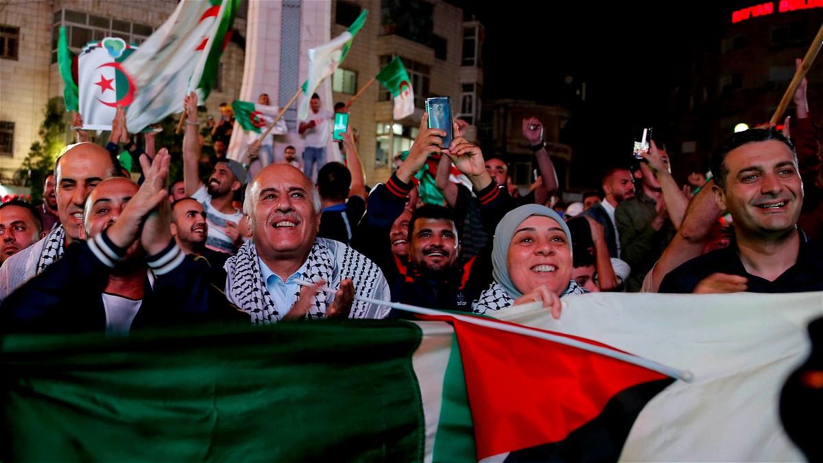 فلسطين تحتفل بالنصر والانجاز الجزائري