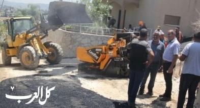 مجلس محلي كفرقرع يبدأ بتعبيد شوارع الأحياء القديمة