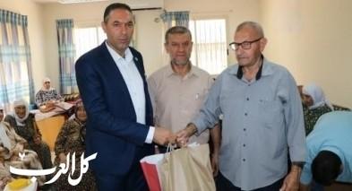 كفرمندا: مؤنس عبد الحليم في زيارة معايدة للمسنين