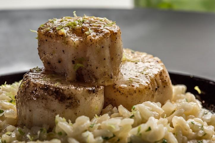 حضّري لعائلتك أرز برياني مع فيليه السمك