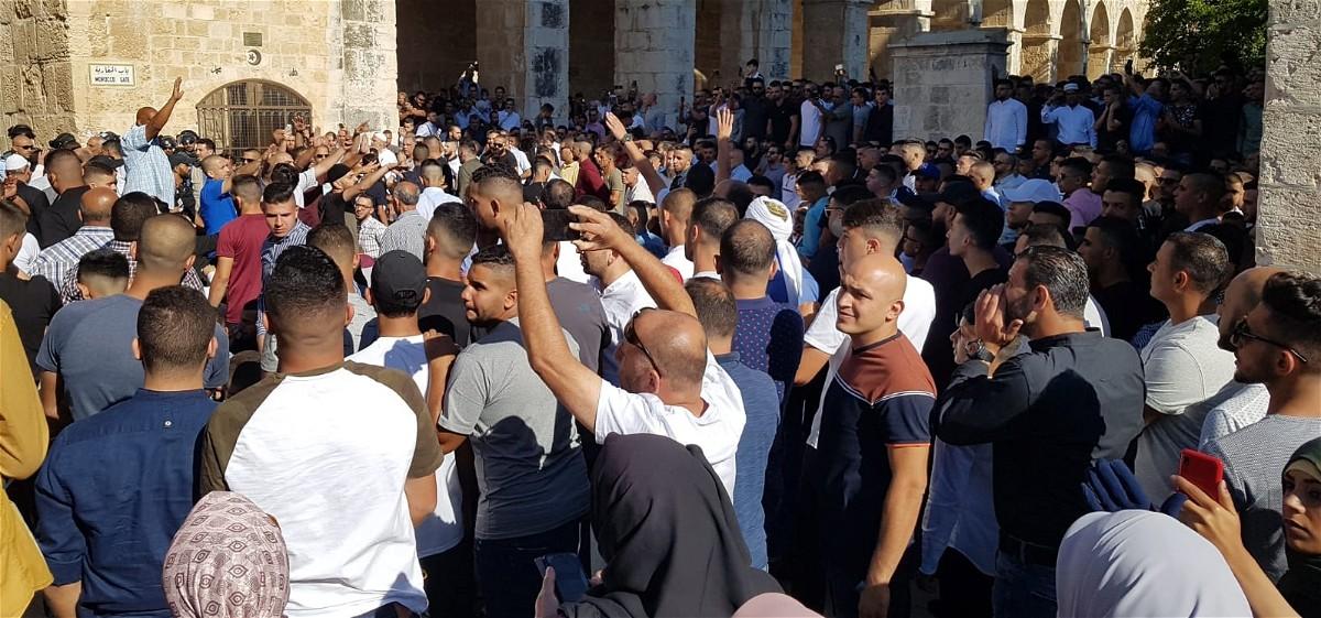 القدس: مواجهات بين قوات الجيش والمصلّين بالأقصى