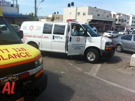 نتانيا: سقوط جسم ثقيل على عامل وإصابته بجراح