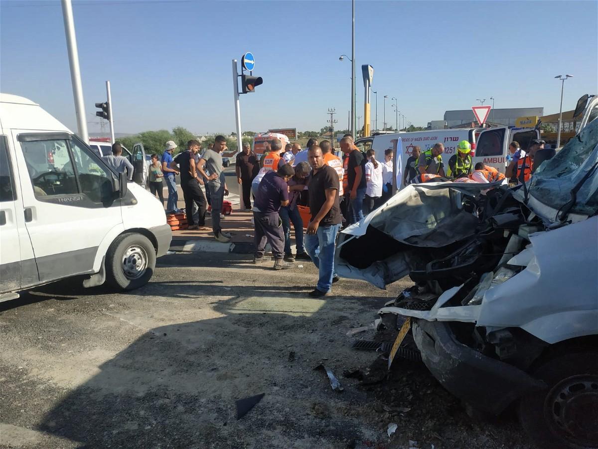 إصابات متفاوتة إثر حادث طرق قرب قلنسوة