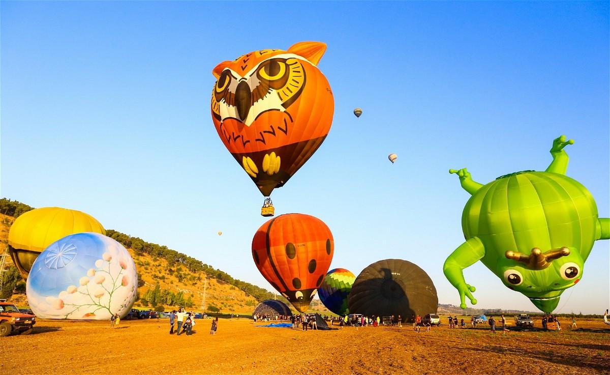 تنظيم مهرجان المناطيد الـ10 بالجلبوع