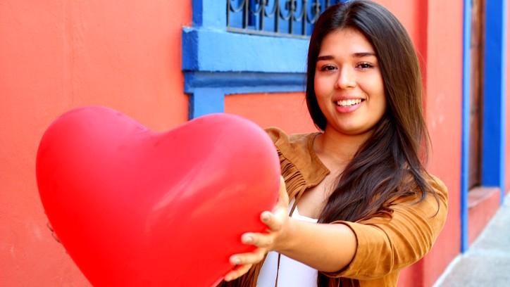 6 مؤشرات تؤكد أنّك وقعت في الحبّ!
