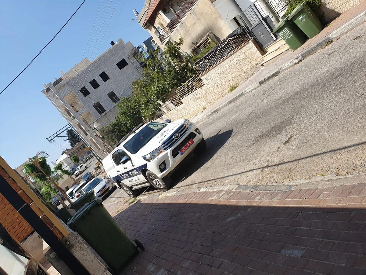 القاء قنبلة حارقة بإتجاه بيت في كفر برا