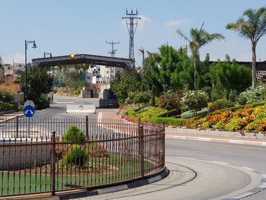 الجيش الاسرائيلي يغلق مداخل قرية الغجر