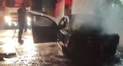 اشتعال النيران بسيارة في باقة الغربية