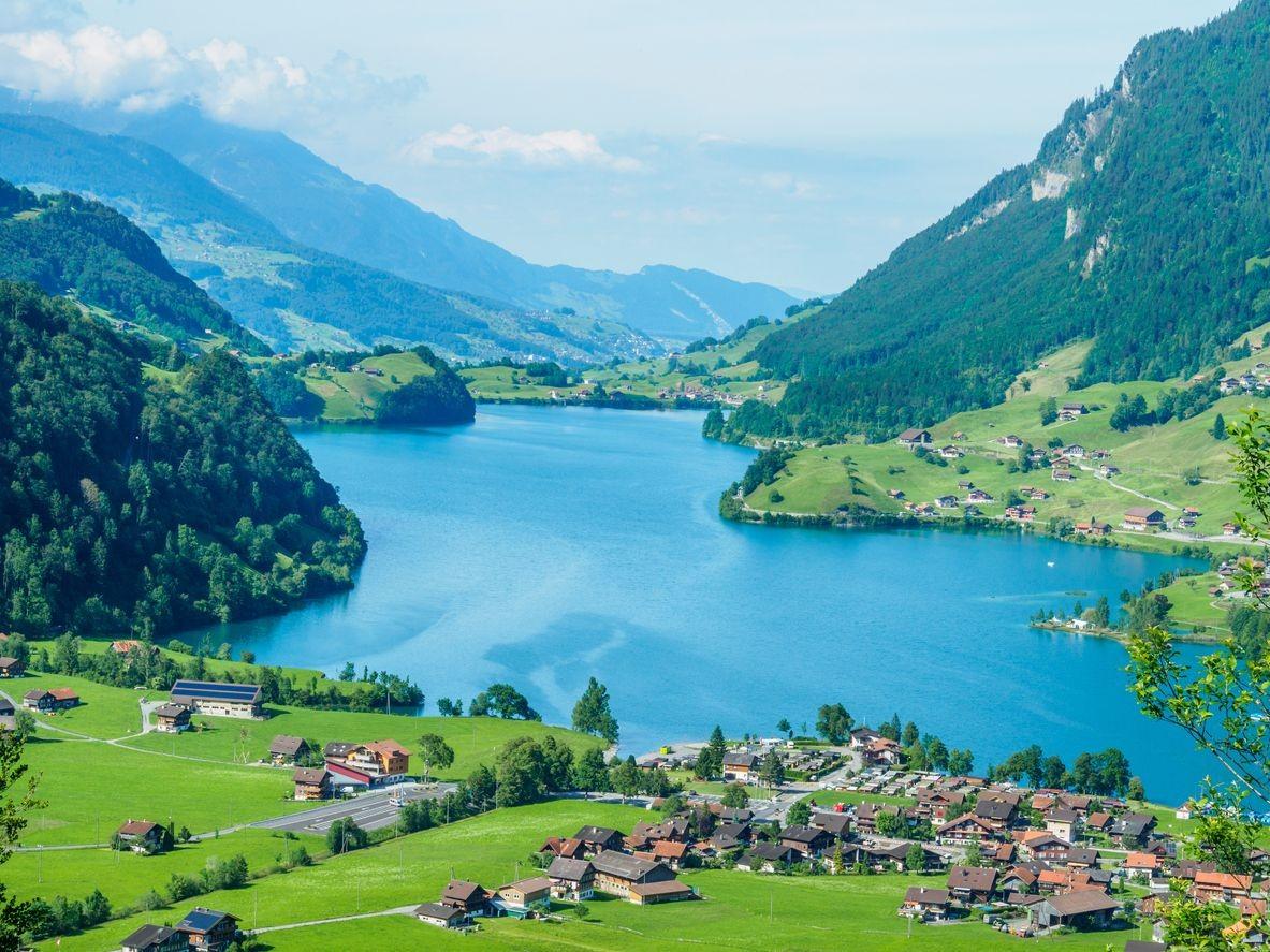 أماكن للسياحة في انترلاكن في سويسرا