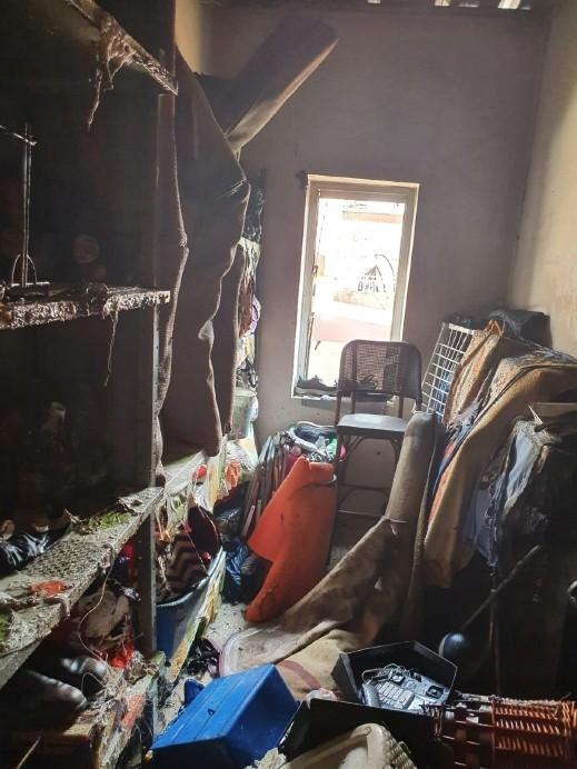 حريق مبنى في أبو سنان يسفر عن إصابة مواطنين
