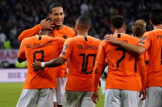 هولندا تُحقق فوزاً مثيراً على ألمانيا في تصفيات
