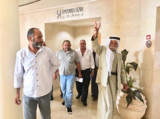 إدانة أربعة من أهل العراقيب بتهمة غزو أرض دولة