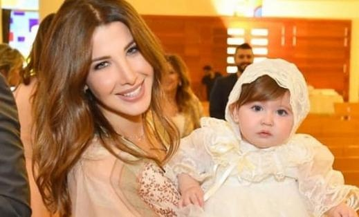 نانسي عجرم تحتفل بعمادة ابنتها ليا..صور