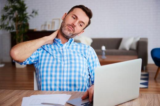 احذر مخاطر الجلوس أكثر من 9 ساعات يوميا