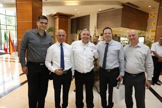 مدير عام بنك هبوعليم يلتقي مجموعة من الشخصيات العرب