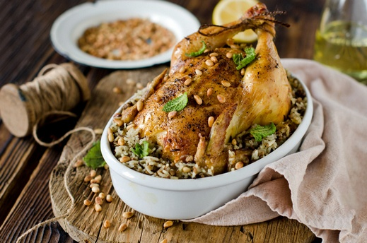 دجاج محشي بالأرز.. صحتين وهنا