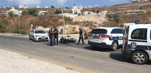 صفد: إصابتان جرّاء حادث طرق بين دراجة نارية وشاحنة