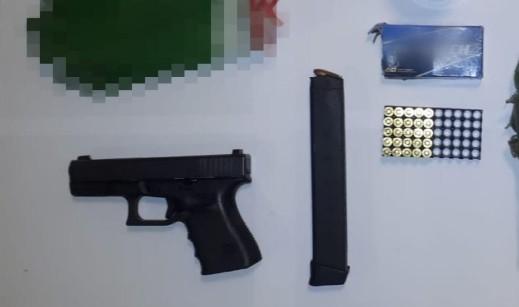 عبلين: اعتقال مشتبه بعد ضبط مسدس وذخيرة