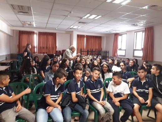 الناصرة: الشَّاعر سيمون عيلوطي يطرح القضايا الشائكة