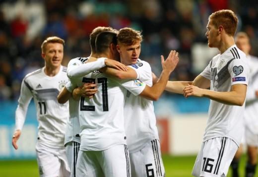 ألمانيا بعشرة لاعبين تهزم إستونيا وتقترب من التأهل