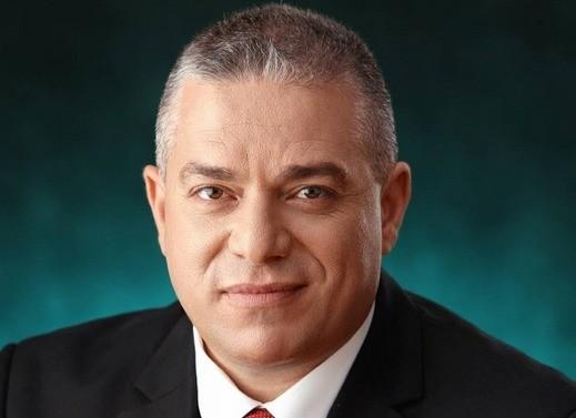 الدكتور صفوت أبو ريا يوافق على طلب دخول المشجعين