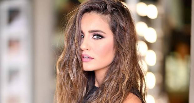إيميه صياح تقدّم حفل ملكة جمال لبنان 2019