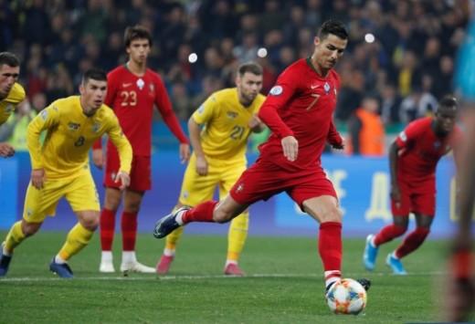 أوكرانيا تتأهل ليورو 2020 بالفوز على البرتغال 1/2