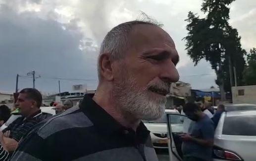ايوب المغربي من الرملة قتلت زوجته وابنته ويتحدث