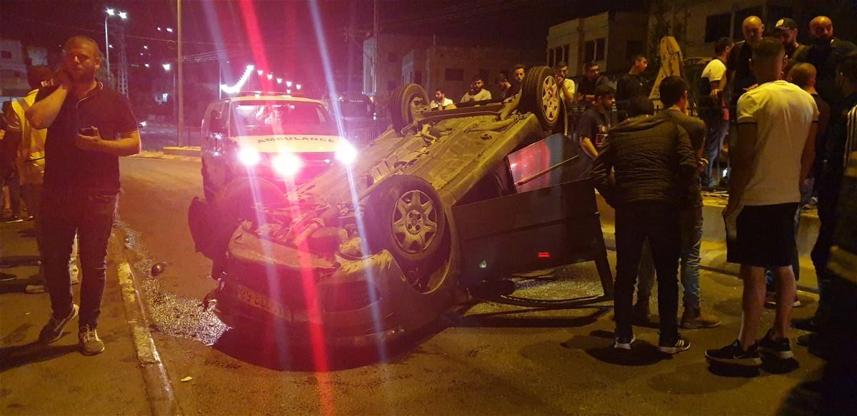 عرابة: اصابة شخصين اثر انقلاب سيارة