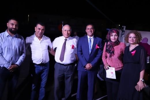 كفرقرع: اضاءة مبنى المجلس باللون الزهري توعية لسرطان