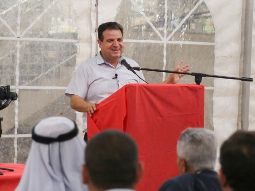 النائب عودة يشارك بسلسلة اجتماعات شعبية