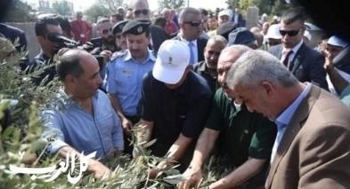 الشرطة الفلسطينية تؤمن وتشارك بافتتاح موسم قطف ثمار الزيتون
