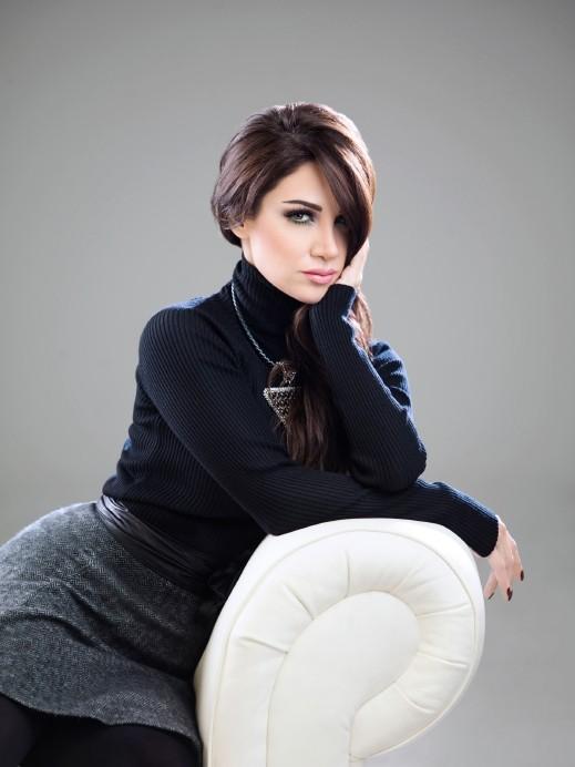 ديانا حداد مشتاقة بأشعار مانع بن سعيد العتيبة