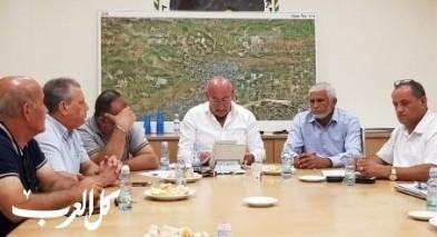 اجتماع طارئ لبحث قضية شارع الموت بدير الاسد