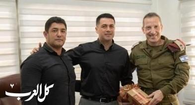 قائد المنطقة الشمالية بالجيش يلتقي برؤساء مجالس