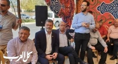 وفد من بلدية الناصرة يزور خيمة الإعتصام في القدس ا
