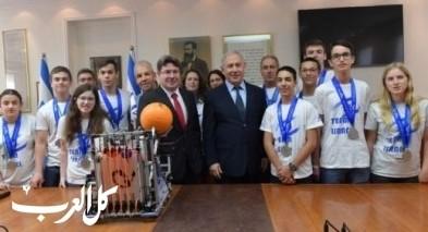 نتنياهو يستقبل المنتخب الإسرائيلي الأوليمبي
