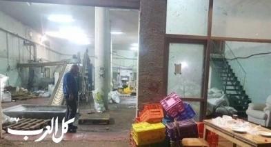 شعب: مجهولون يسرقون غالونات زيت