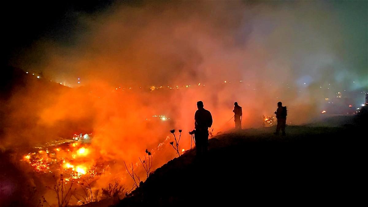 اندلاع حريق هائل بين الناصرة ويافة الناصرة دون اصابات