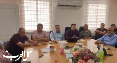 اجتماع رئيس البلدية عادل بدير مع مديري المدارس