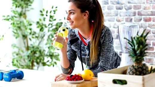 أطعمة ومشروبات تبرز جمالك